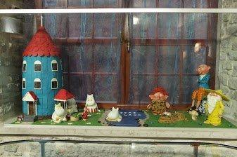 Marzipan figurines