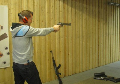 Shooting with a large pistol